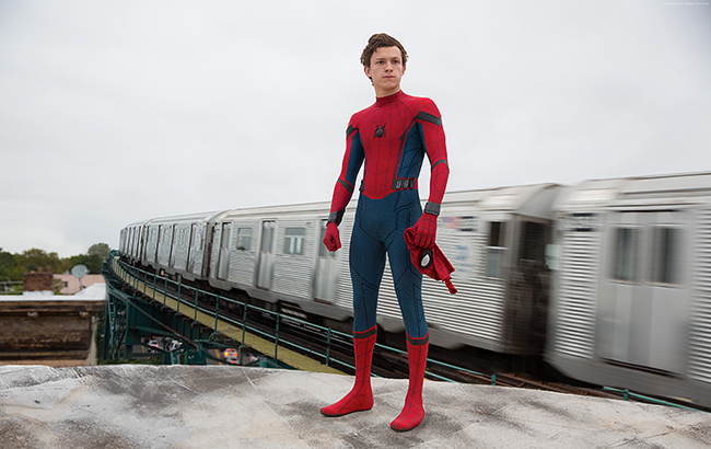 chelovek-pauk-vozvraschenie-domoy-3500x2210-tom-holland-supergeroy-12781