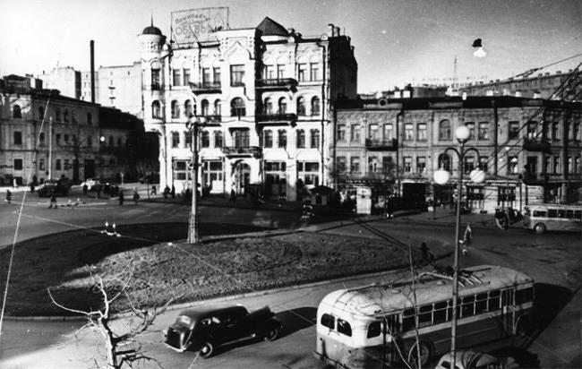 1951-год-Площадь-Льва-Толстого-e1338682942154