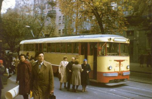 Трамвай тридцятий, тягни-штовхай